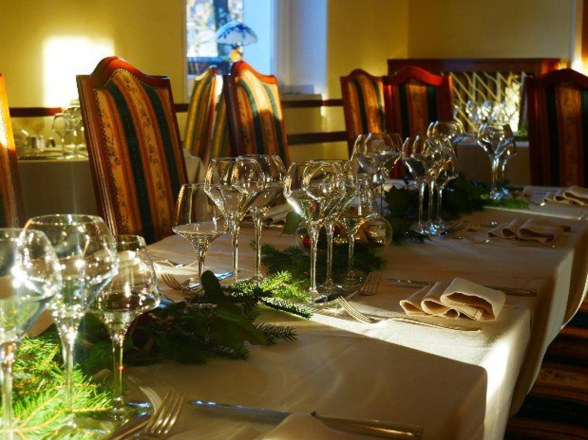 banquets festive and associative meals