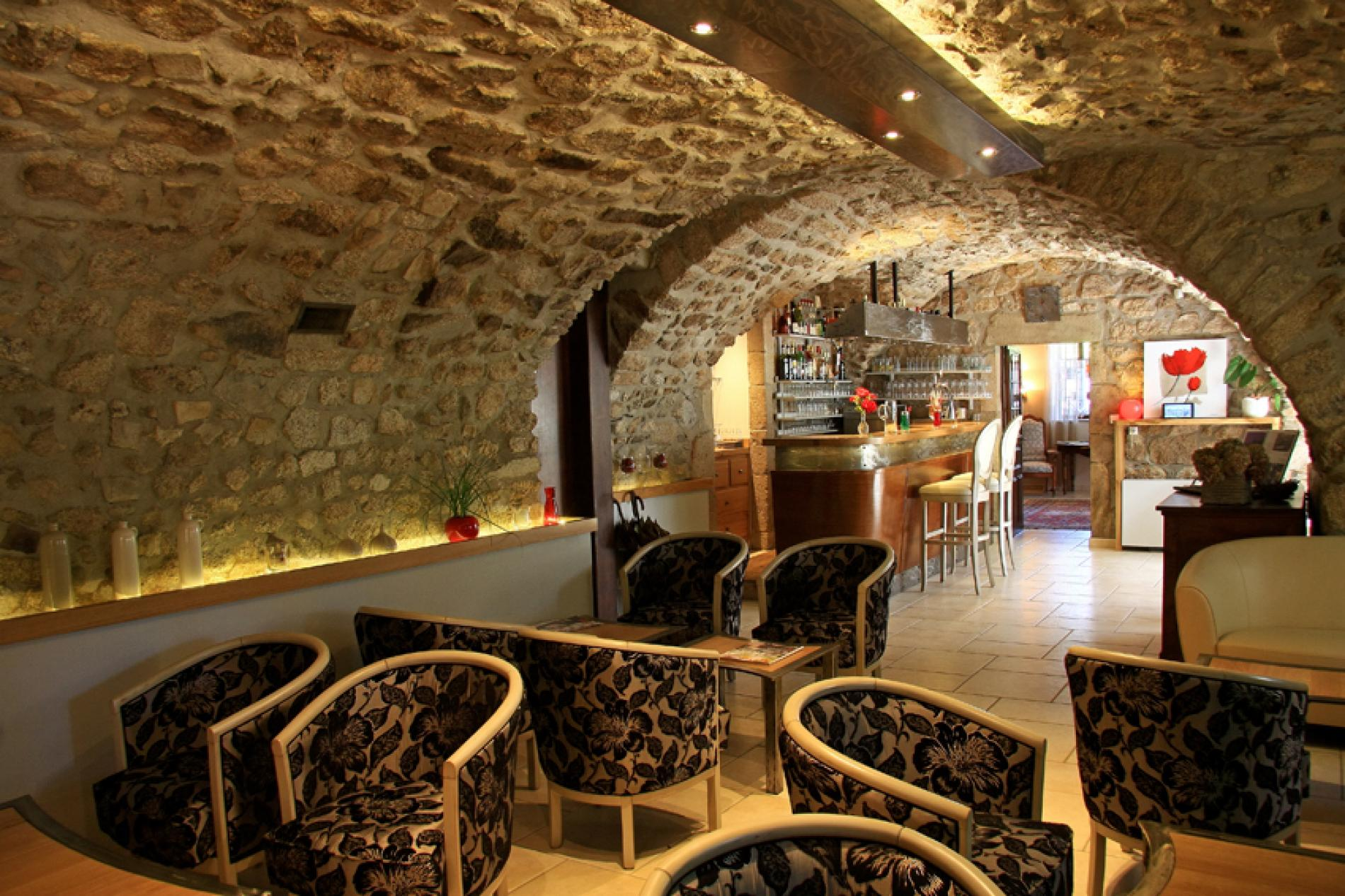 Bar avec pierre pierre de pays