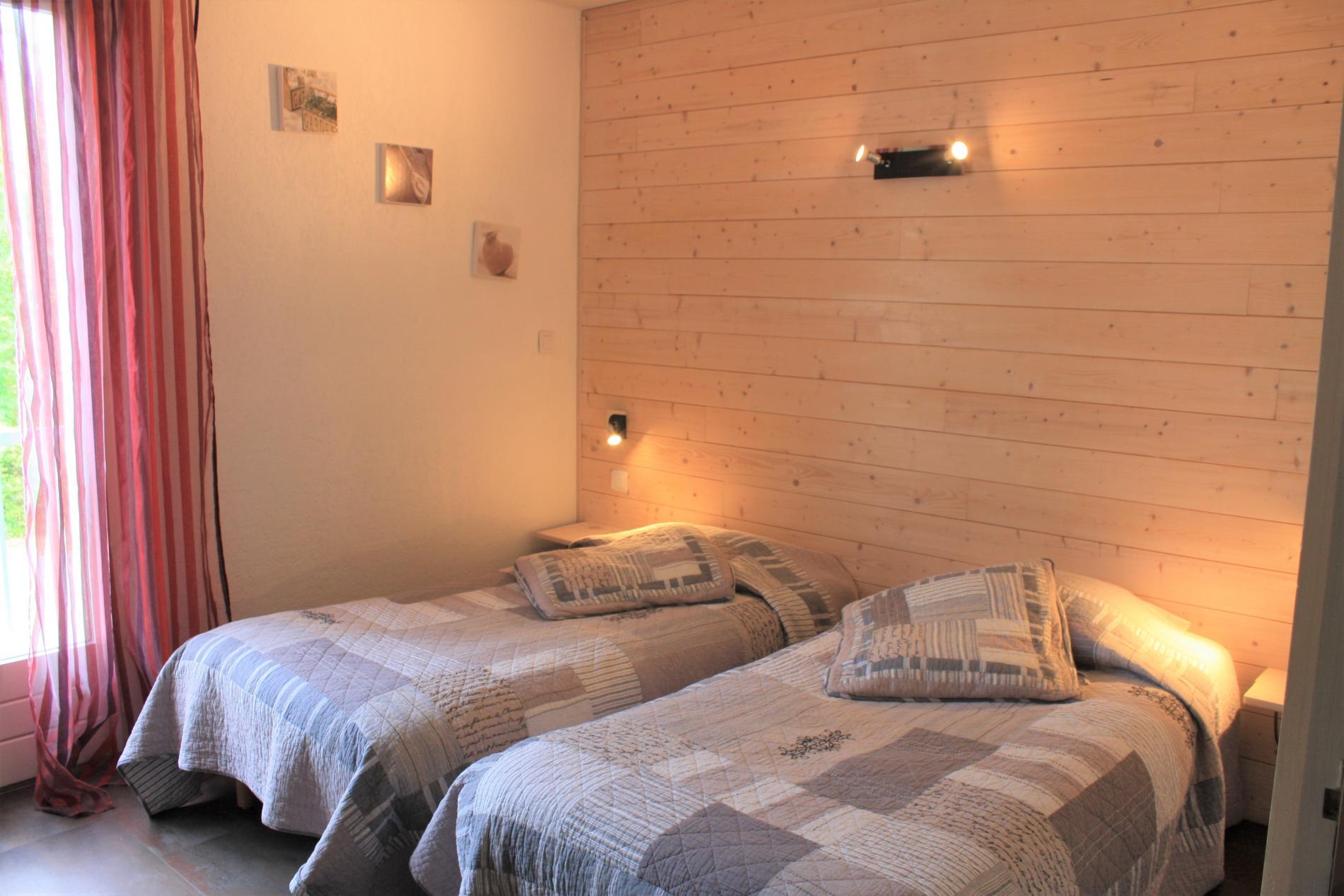 Studio économique lits jumeaux avec kitchenette