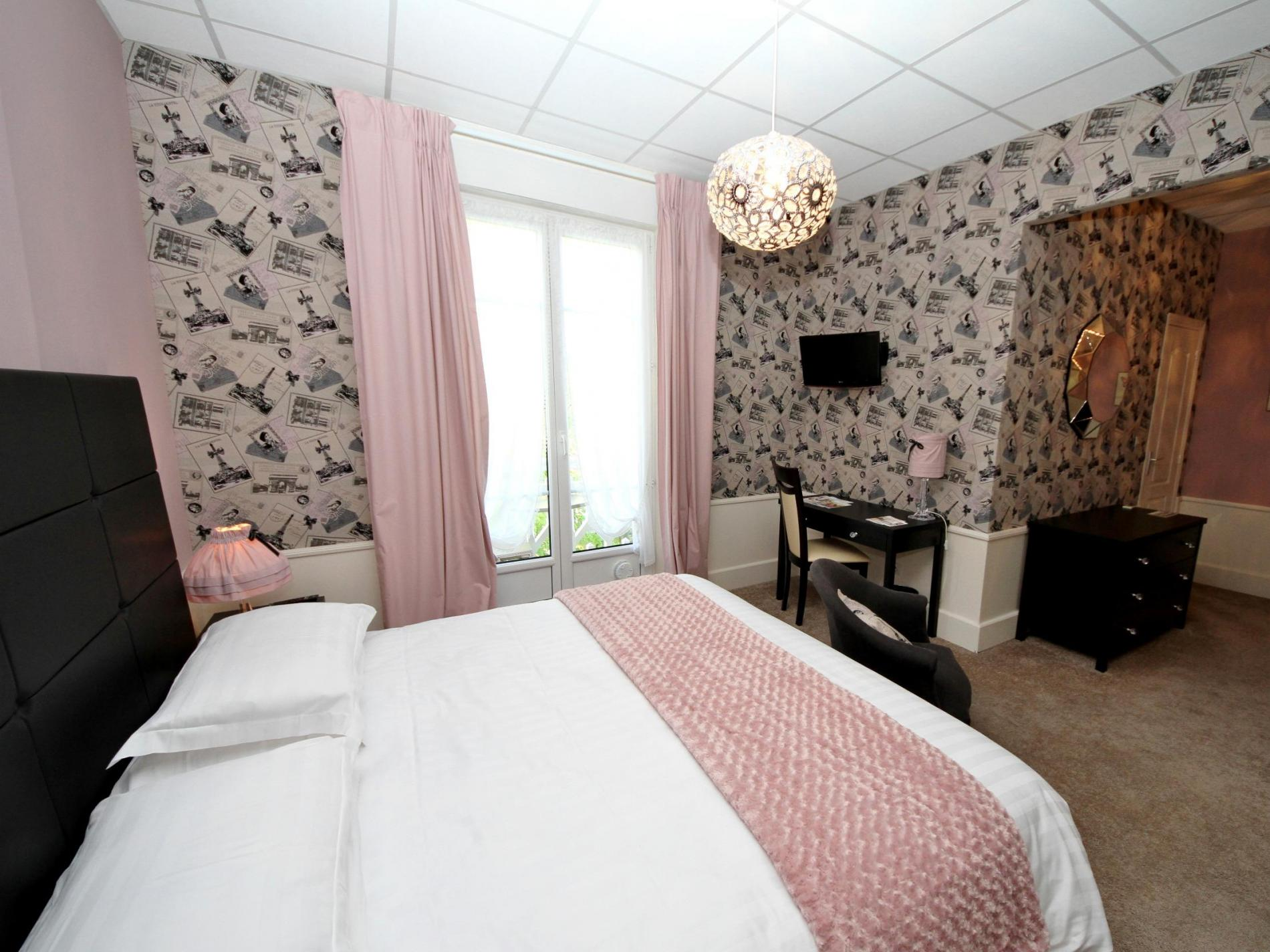 Chambre avec balcon hôtel SPA Le Roc au Chien Bagnoles de l'Orne Normandie