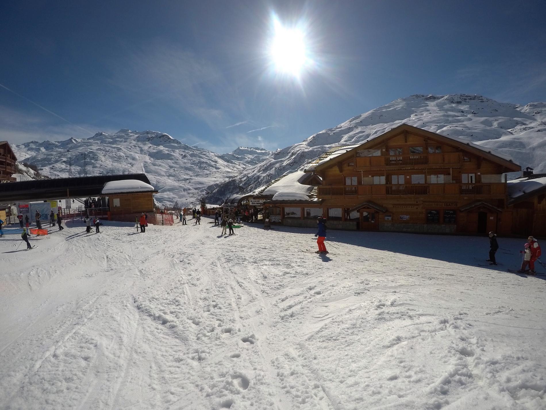 L'Isatis Chalet hôtel et son Restaurant Bar Le Cocon des neiges