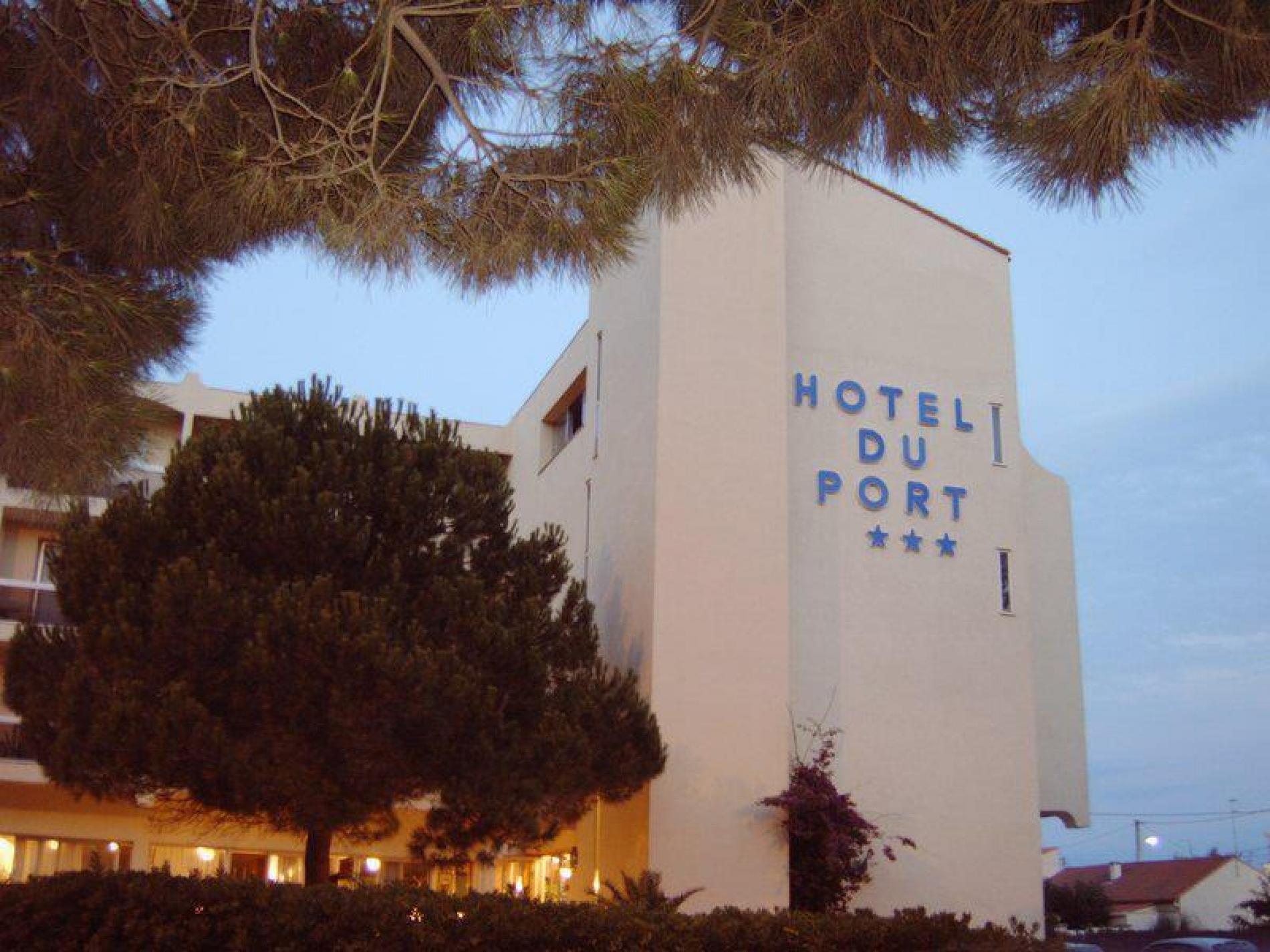 l'hotel le soir