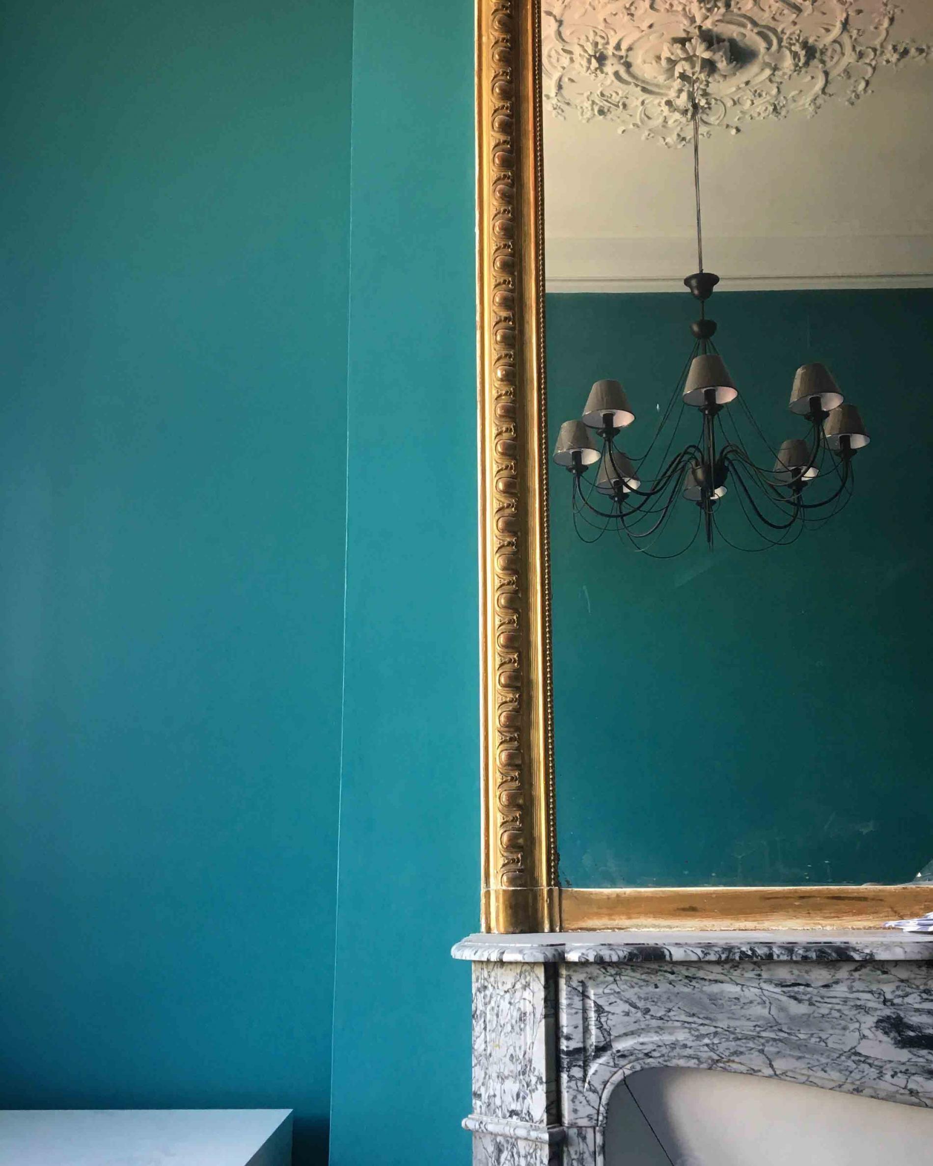 Cheminée et miroir d'époque