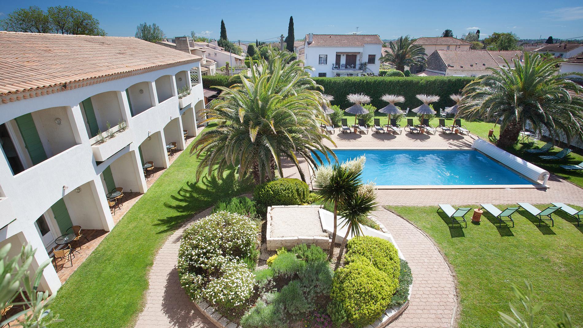 Hôtel de charme avec piscine au centre d'Arles