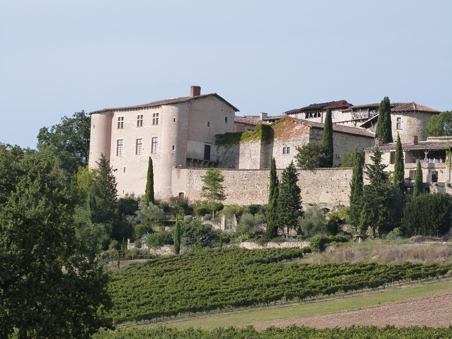 À proximité  de l'Hôtel l'Occitan