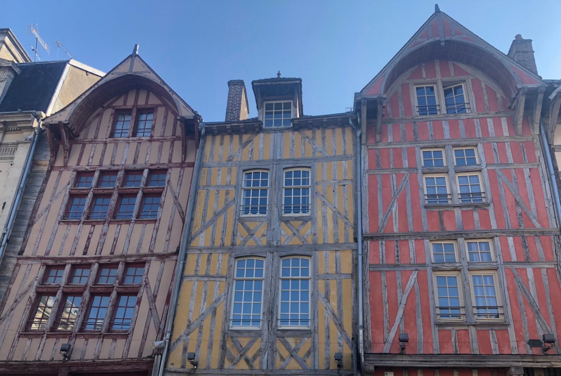 Hôtel du Cirque au centre de Troyes
