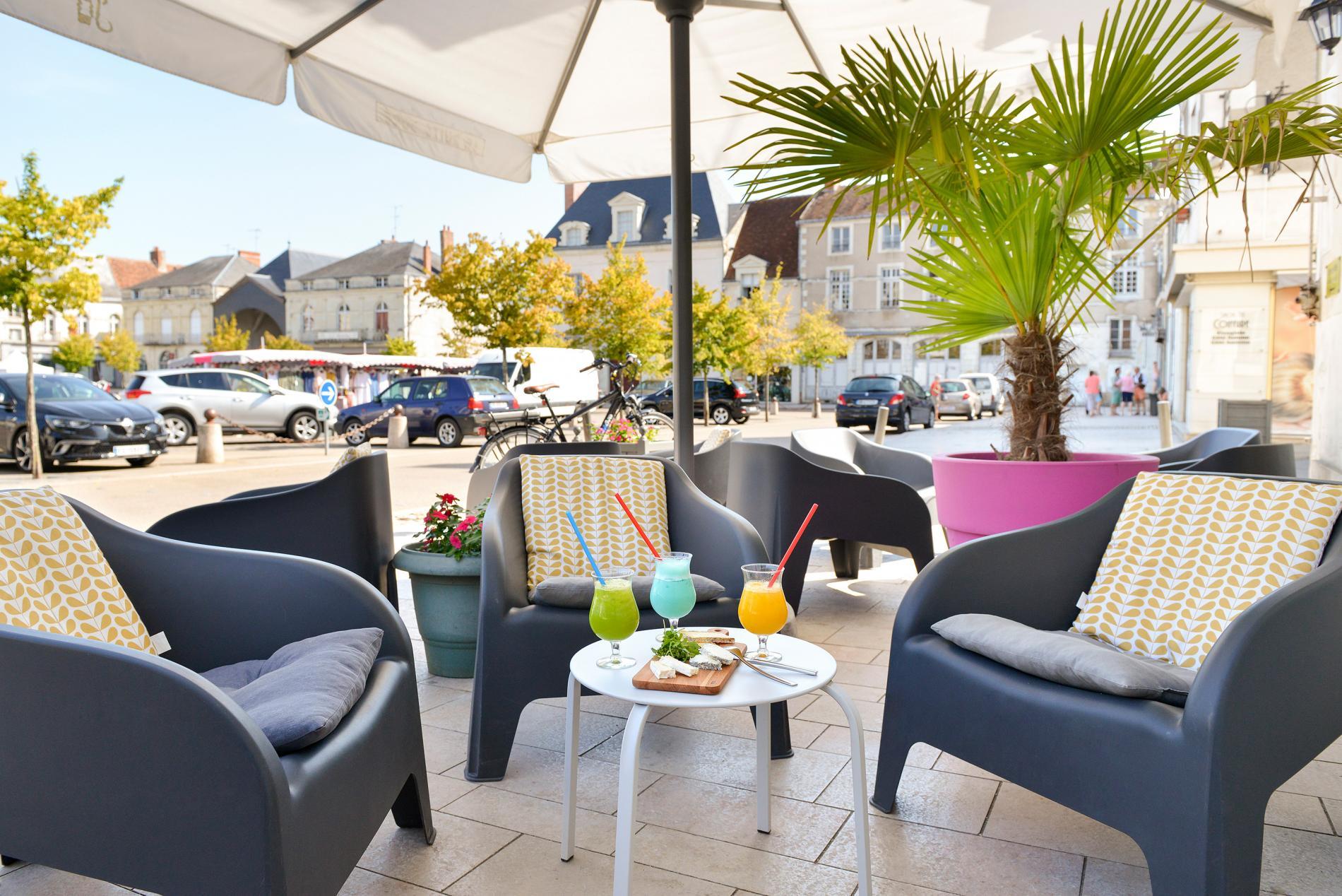 Terrasse coté lounge