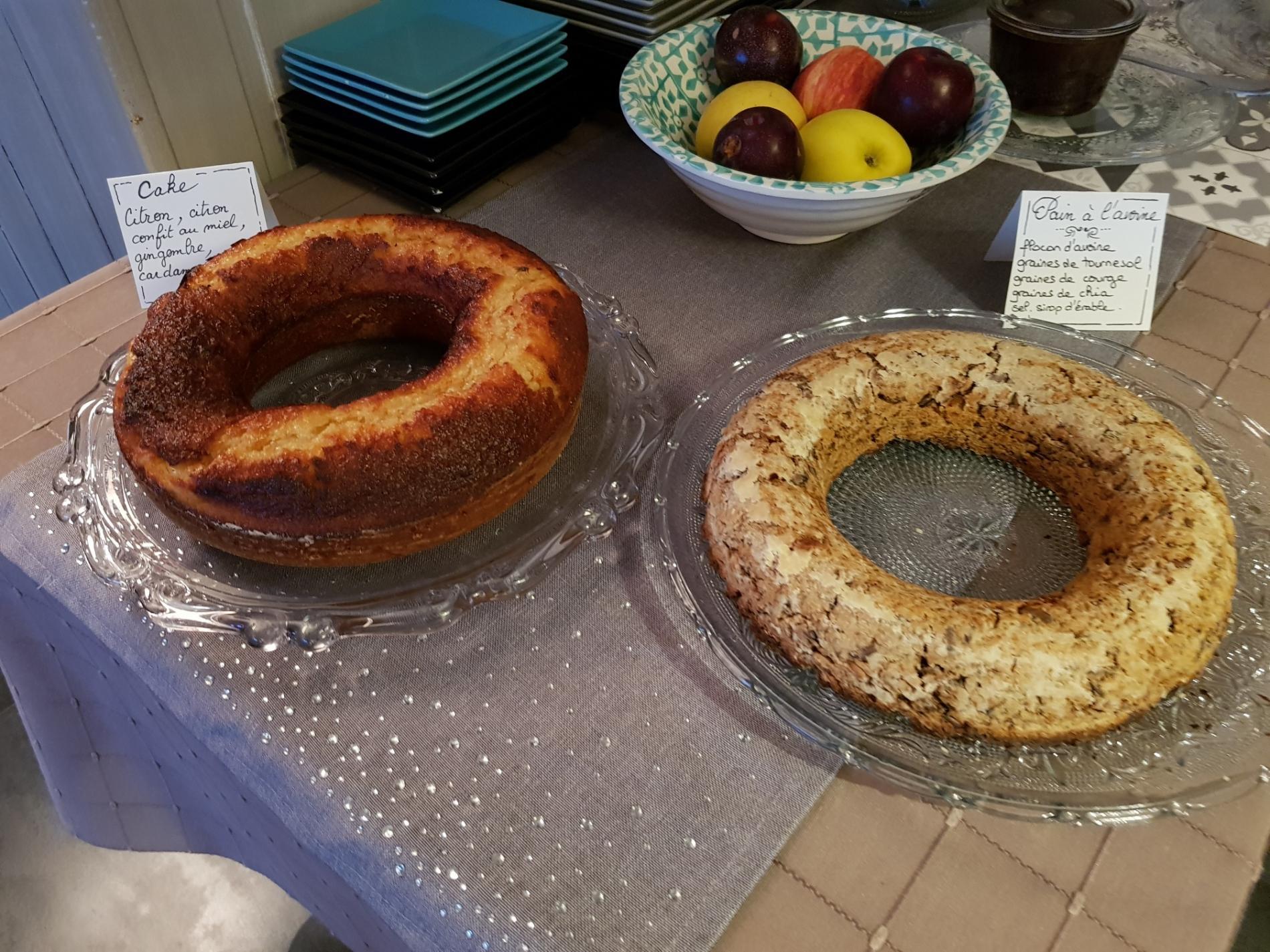 petit-déjeuner: cake et pain d'avoine sans gluten