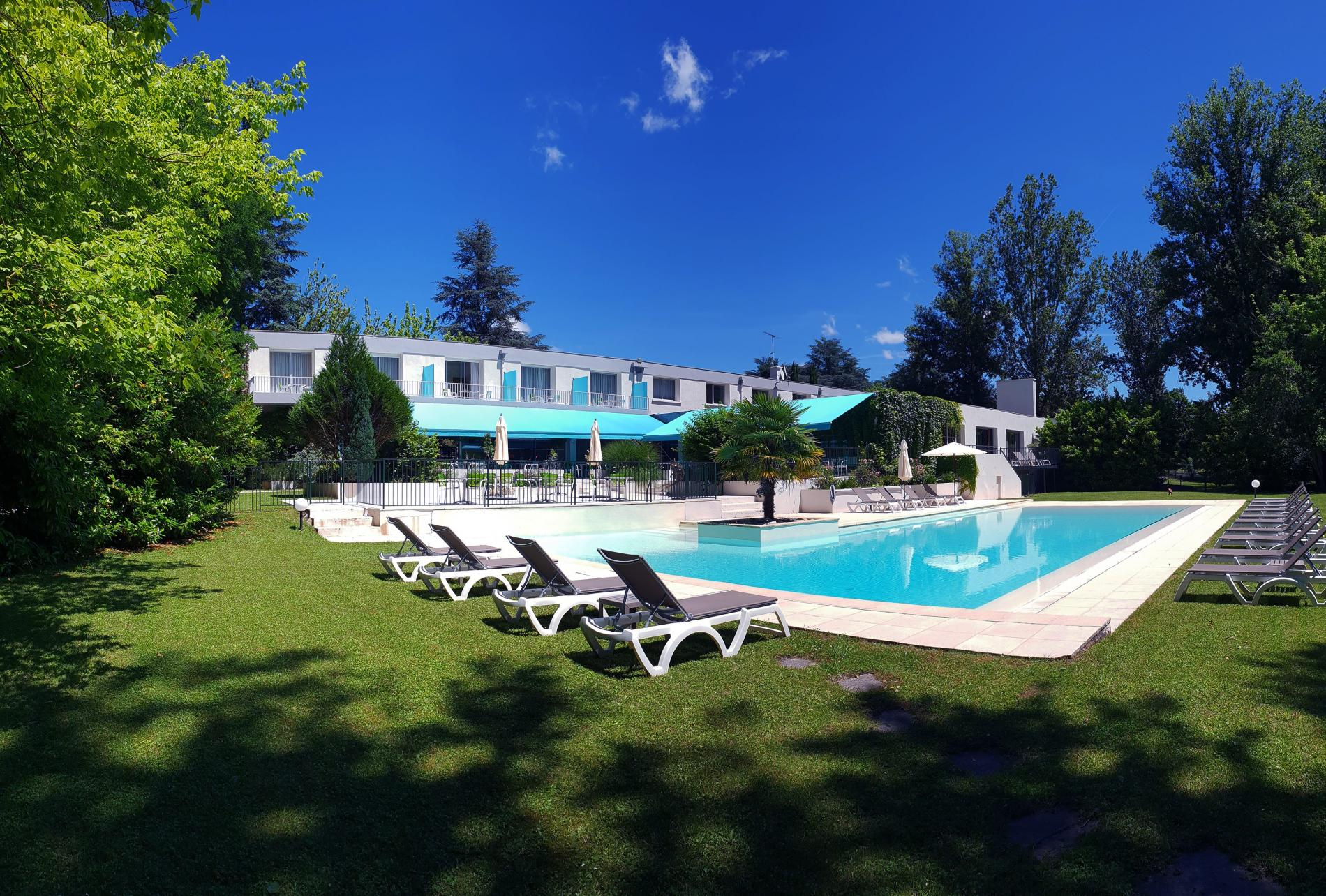 Hôtel 3 étoiles avec piscine et spa