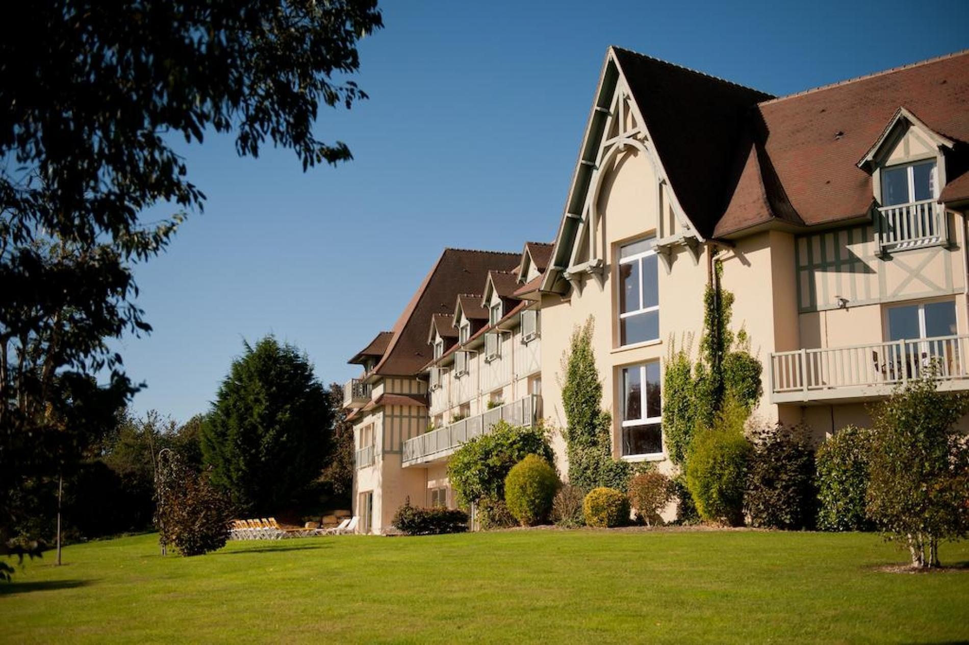CHARMING HOTEL NEAR DEAUVILLE