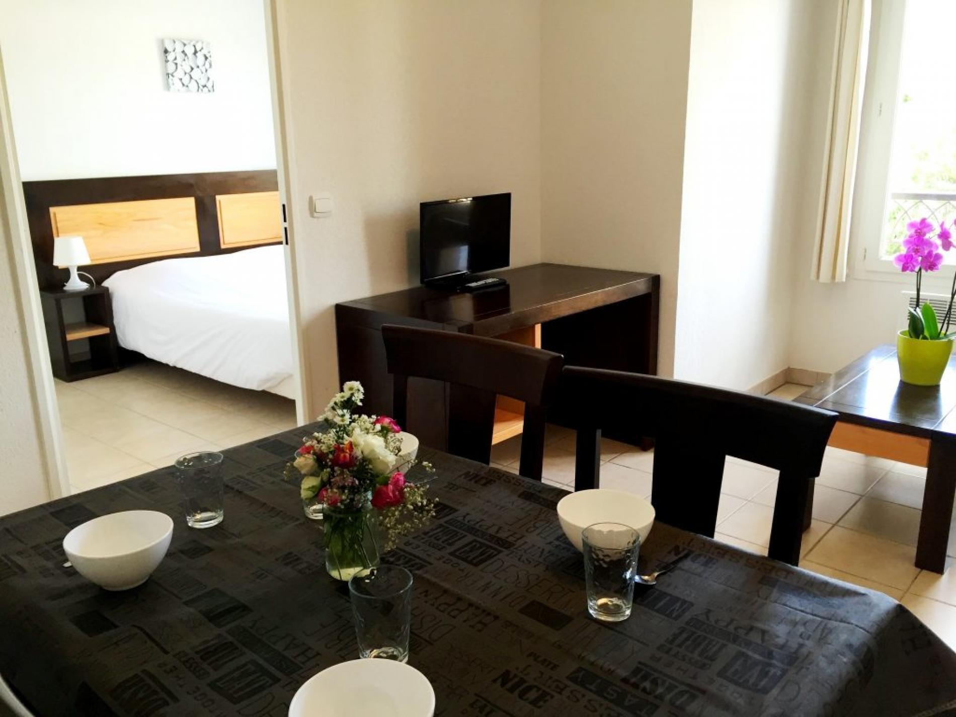 Hôtel & Appart'Hotel à St Paul Lez Durance