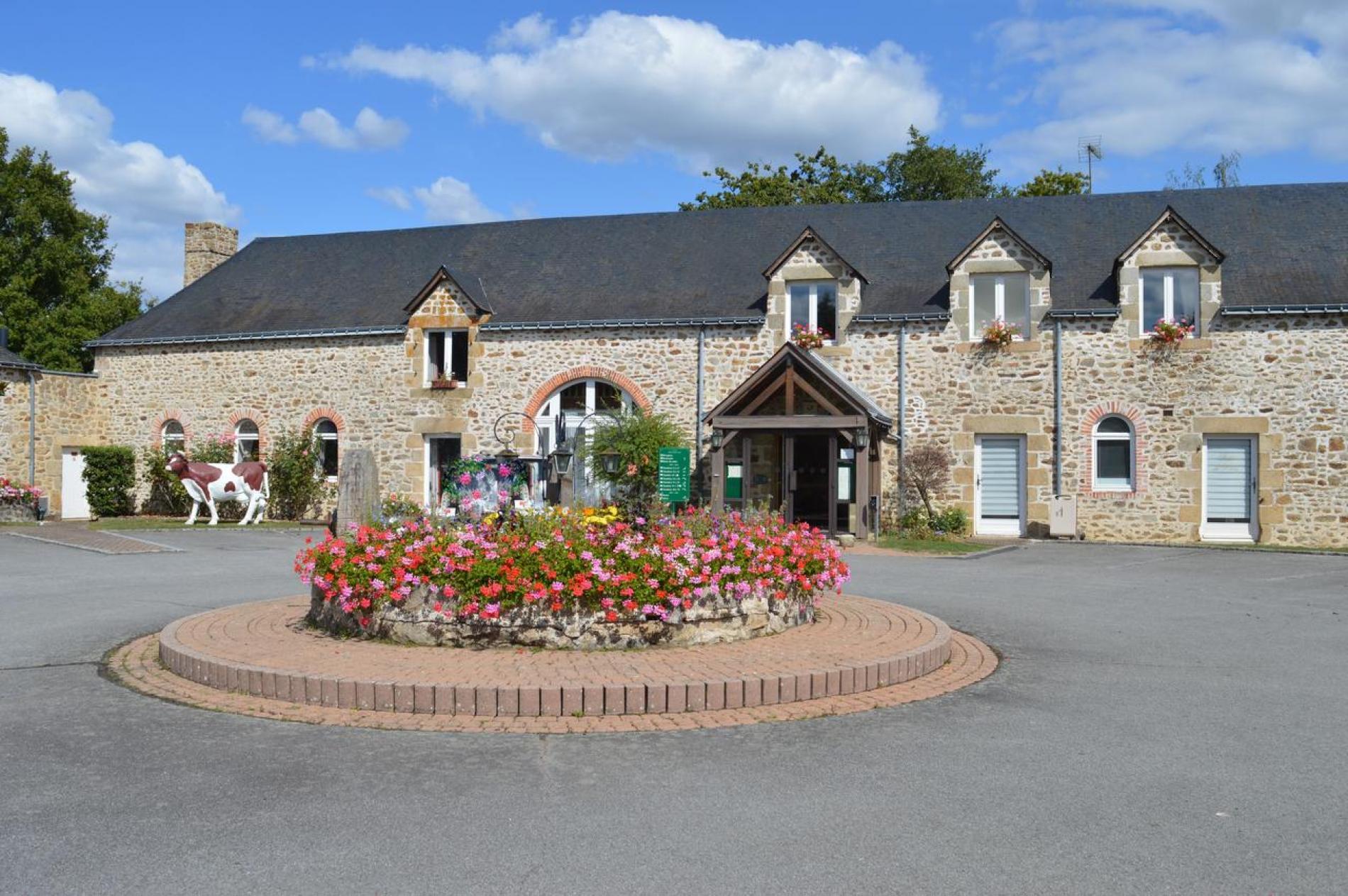 Au Relais Du Gué De Selle est situé dans une ferme restaurée à Mézangers, au coeur du Pays-de-la-Loire