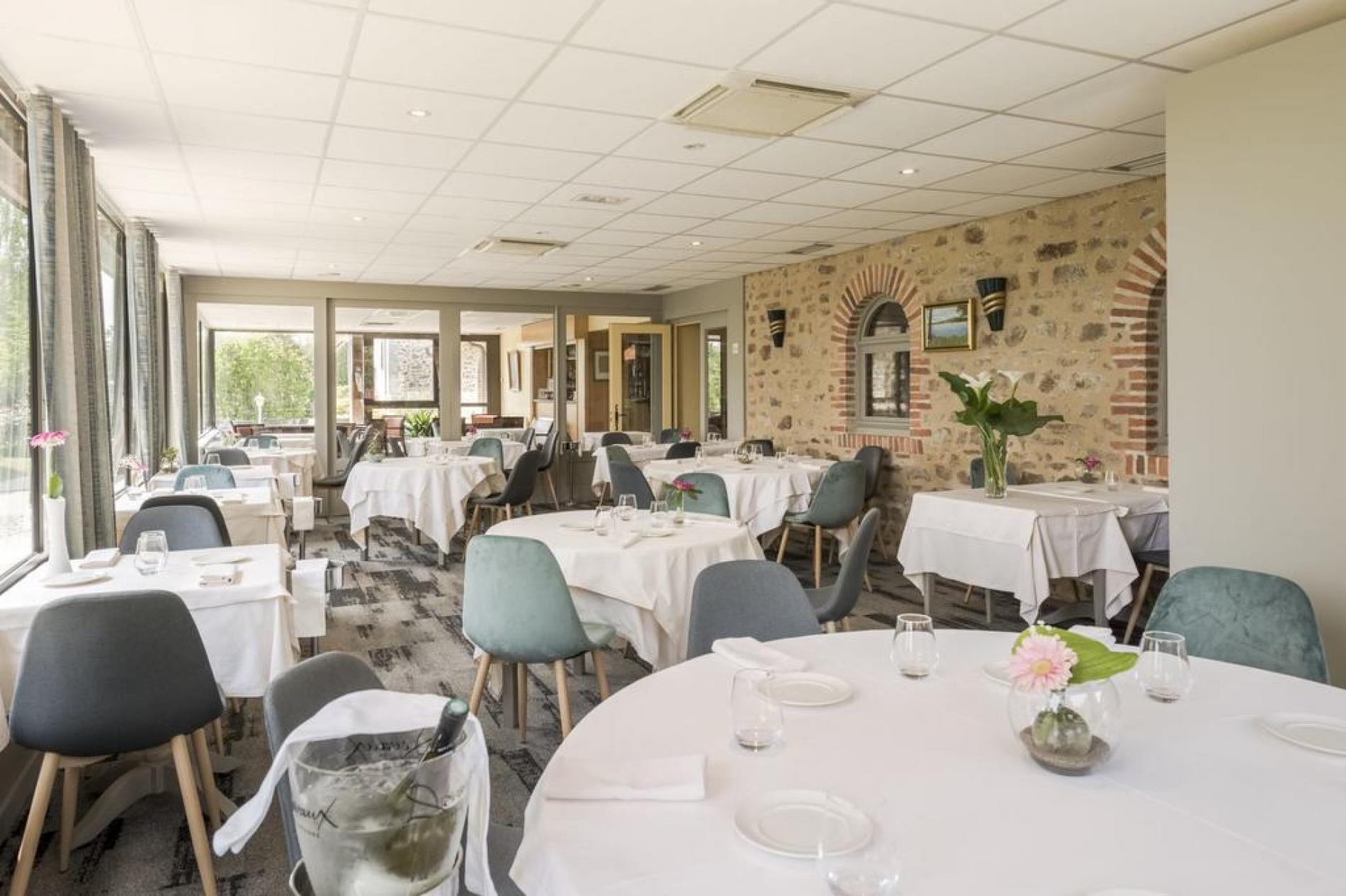 Logis hôtel élégance / restaurant savoureux