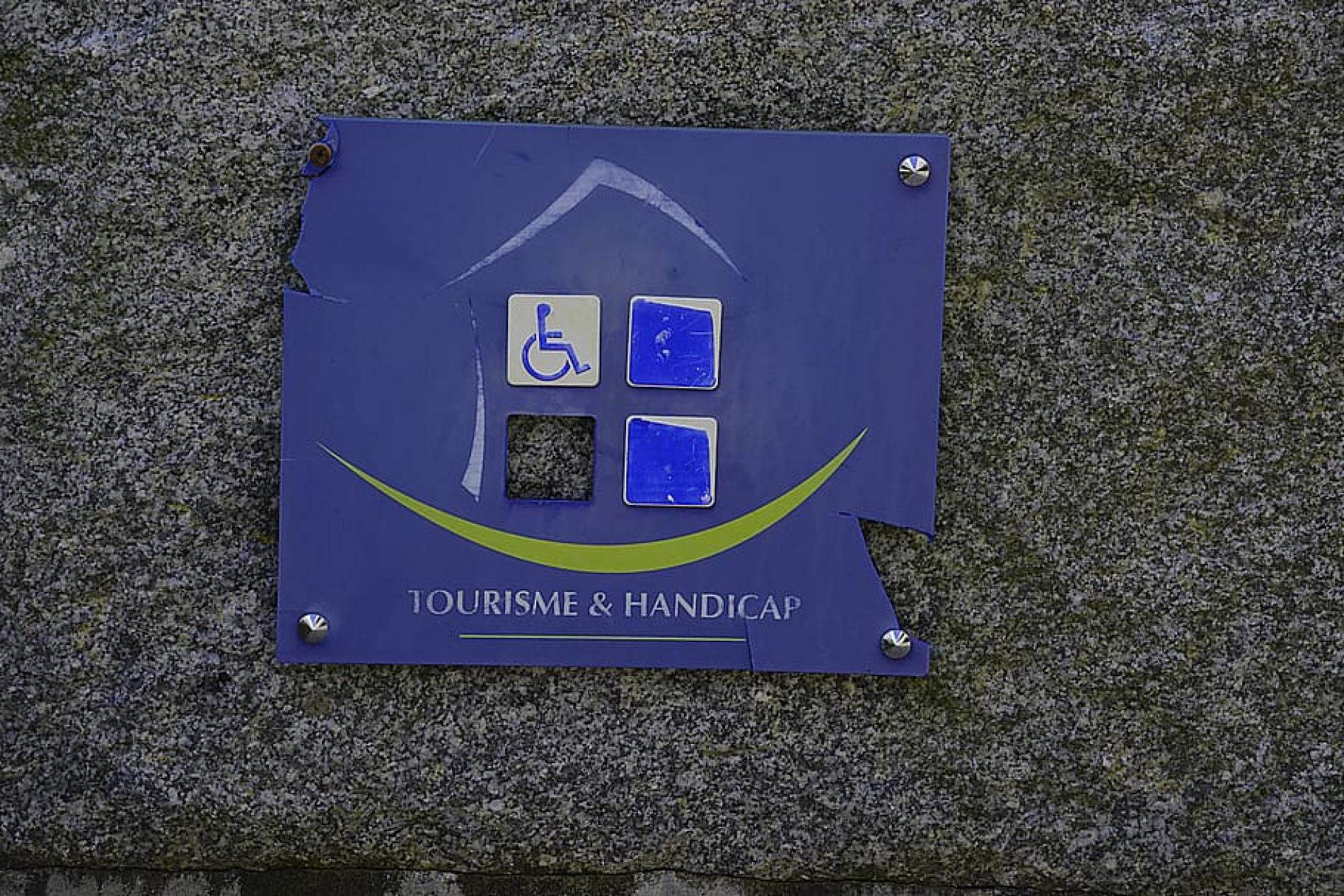 ACCESS FOR HANDICAPPED GUESTS