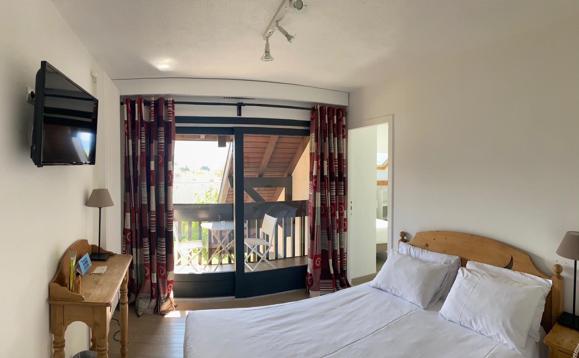 Chambre quadruple avec balcon