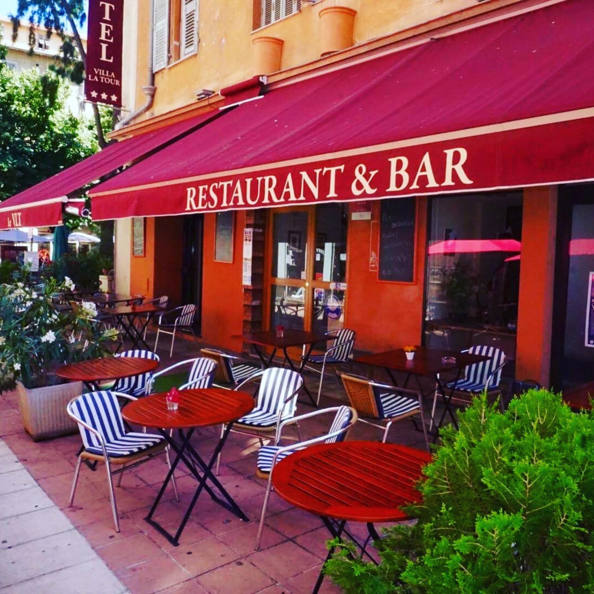 Facade hotel et restaurant