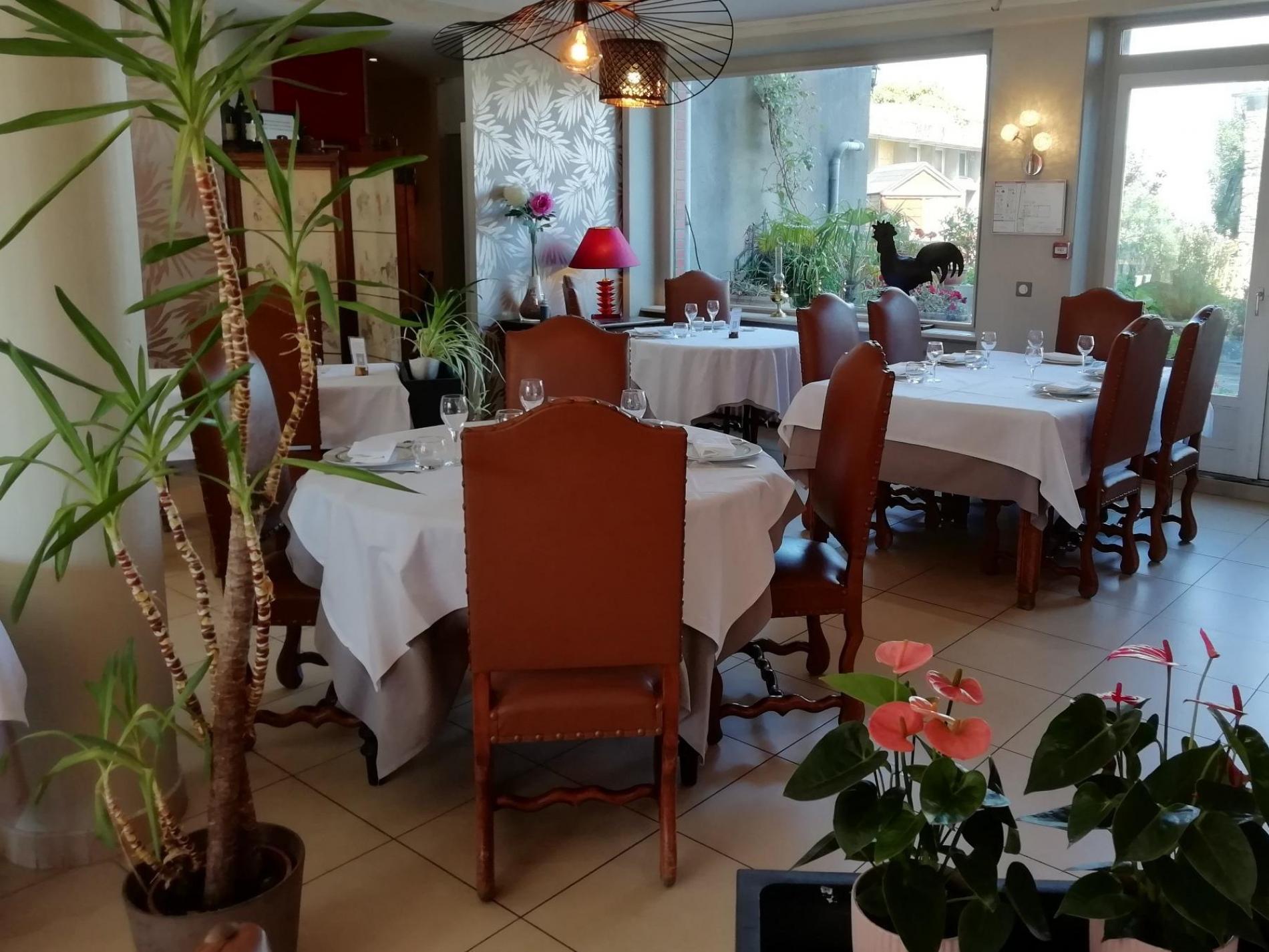 salle de restaurant Logis Dol de Bretagne