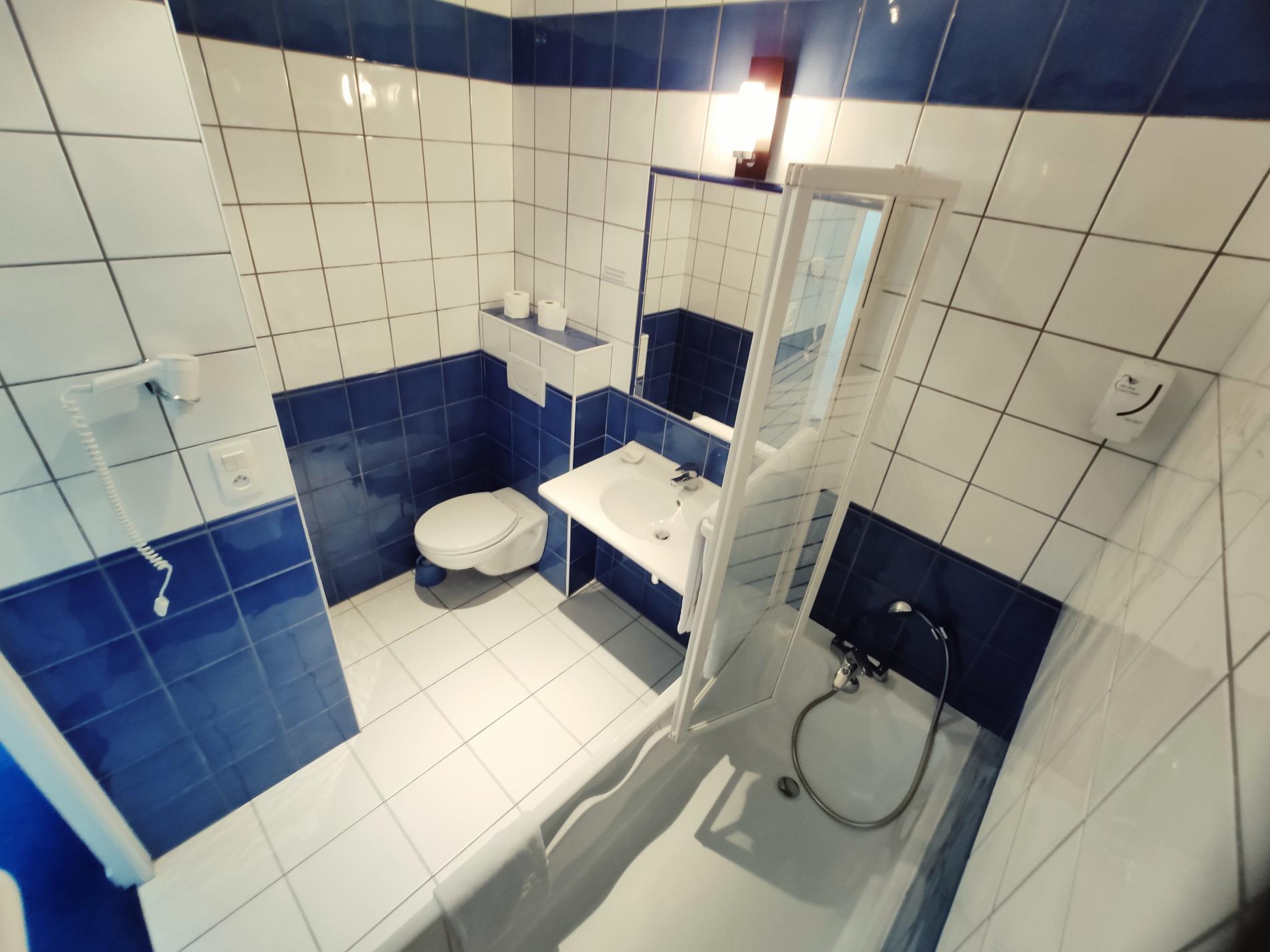 salle de bain Hôtel Le Richelieu