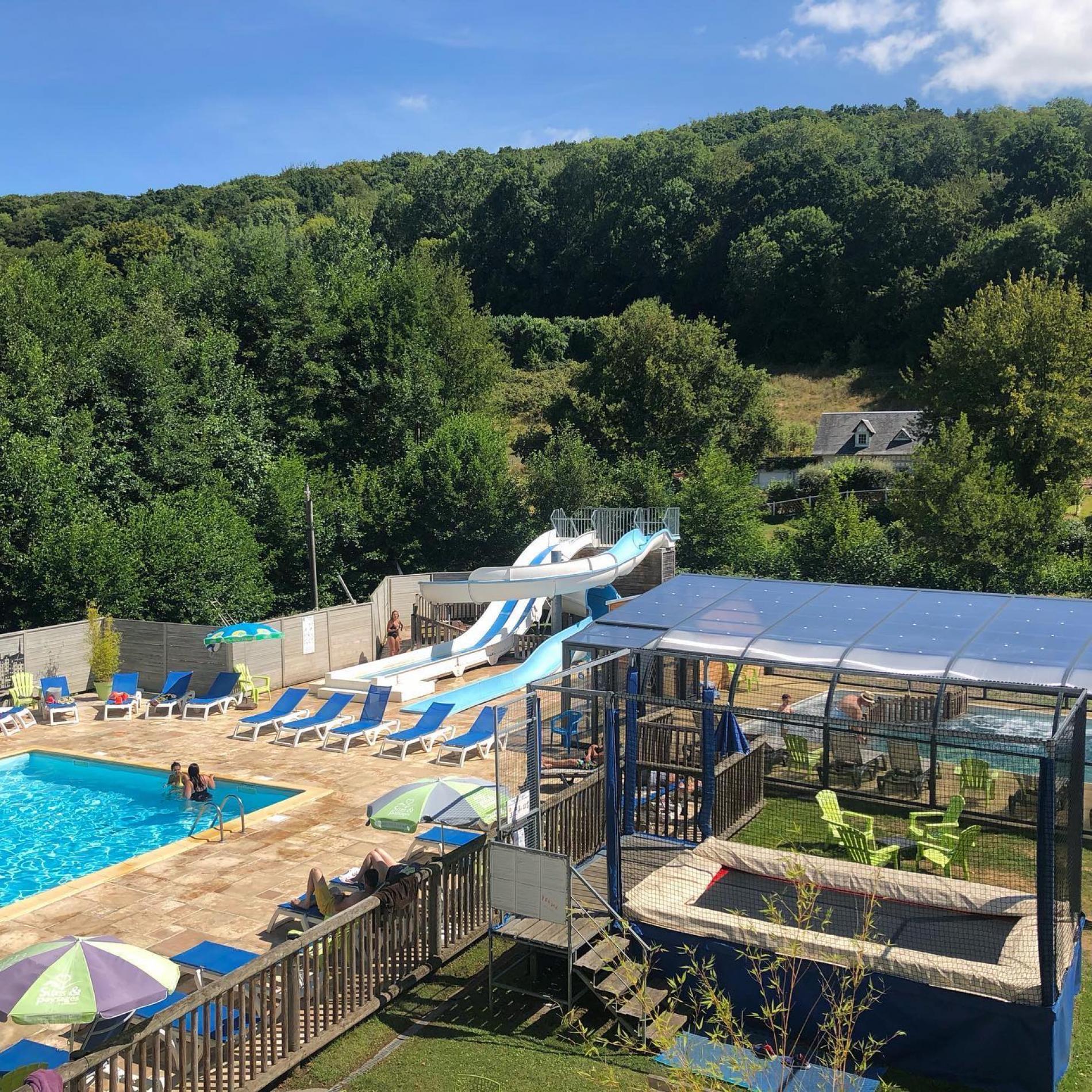 waterpark, verwarmd zwembad, glijbaan