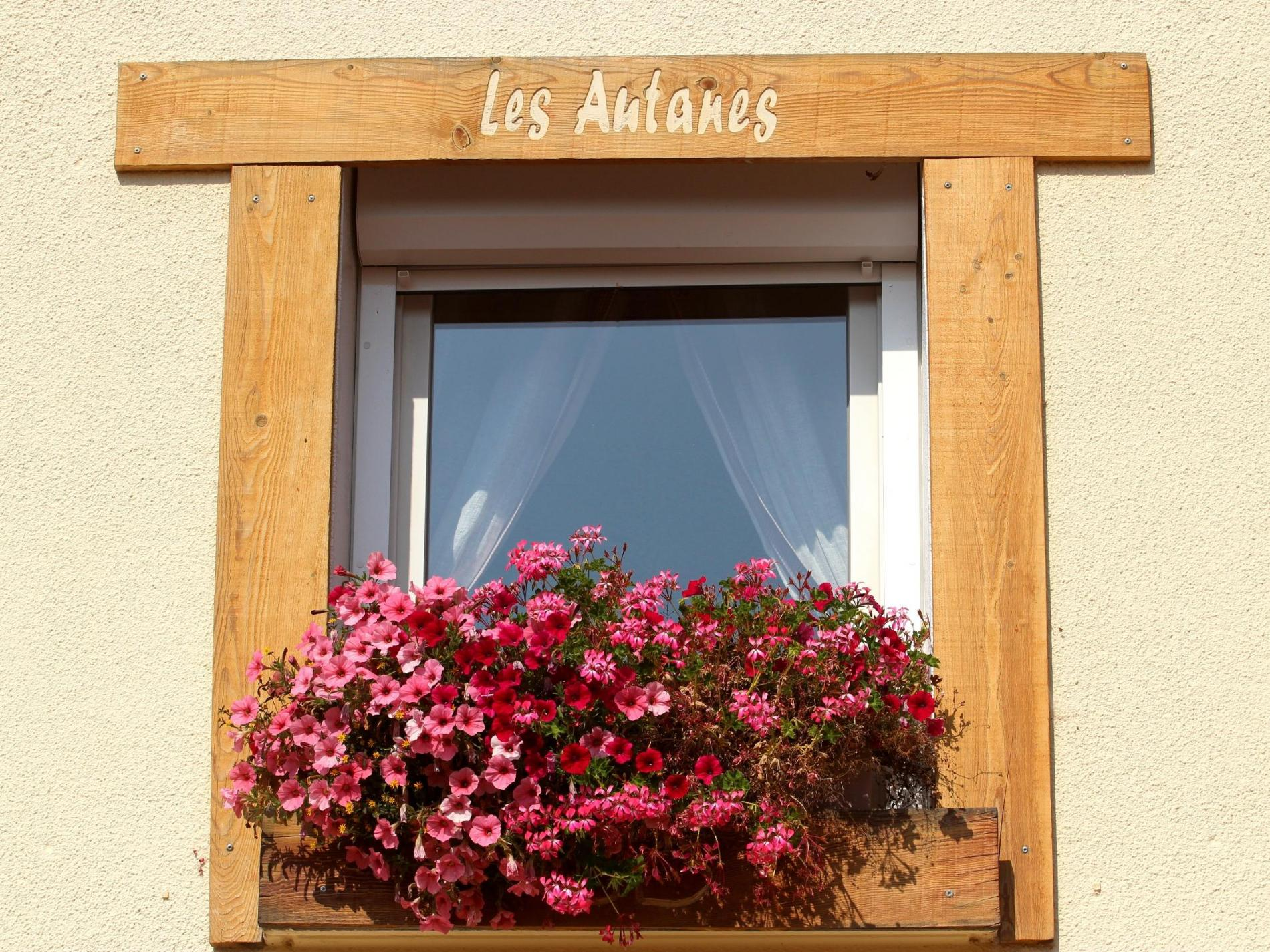 Logis Hôtel Restaurant Les Autanes