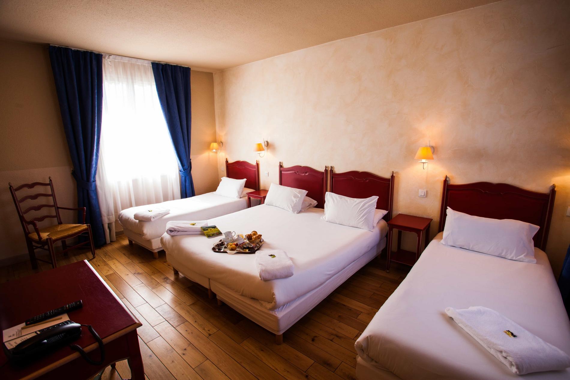 Hôtel Vignes Blanches Beaucaire chambre familiale