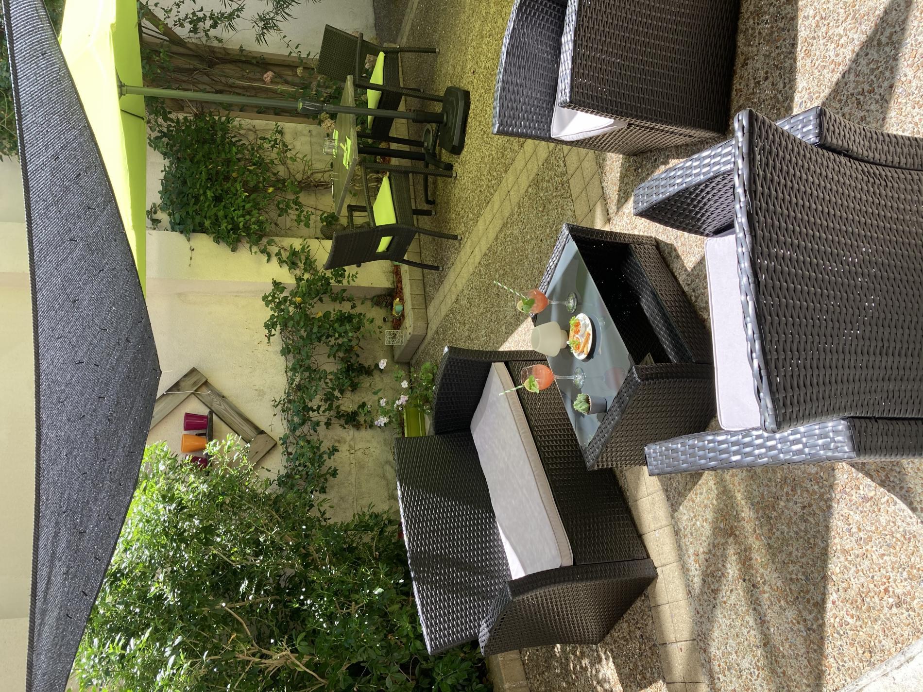 Petit jardin au Restaurant AT'ABLE à Chinon