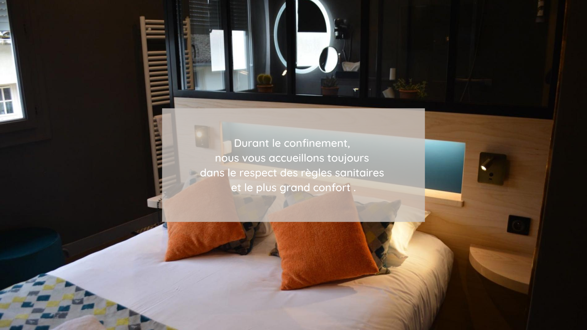 Les Glycines hotel** in Melle, a calm and quiet place