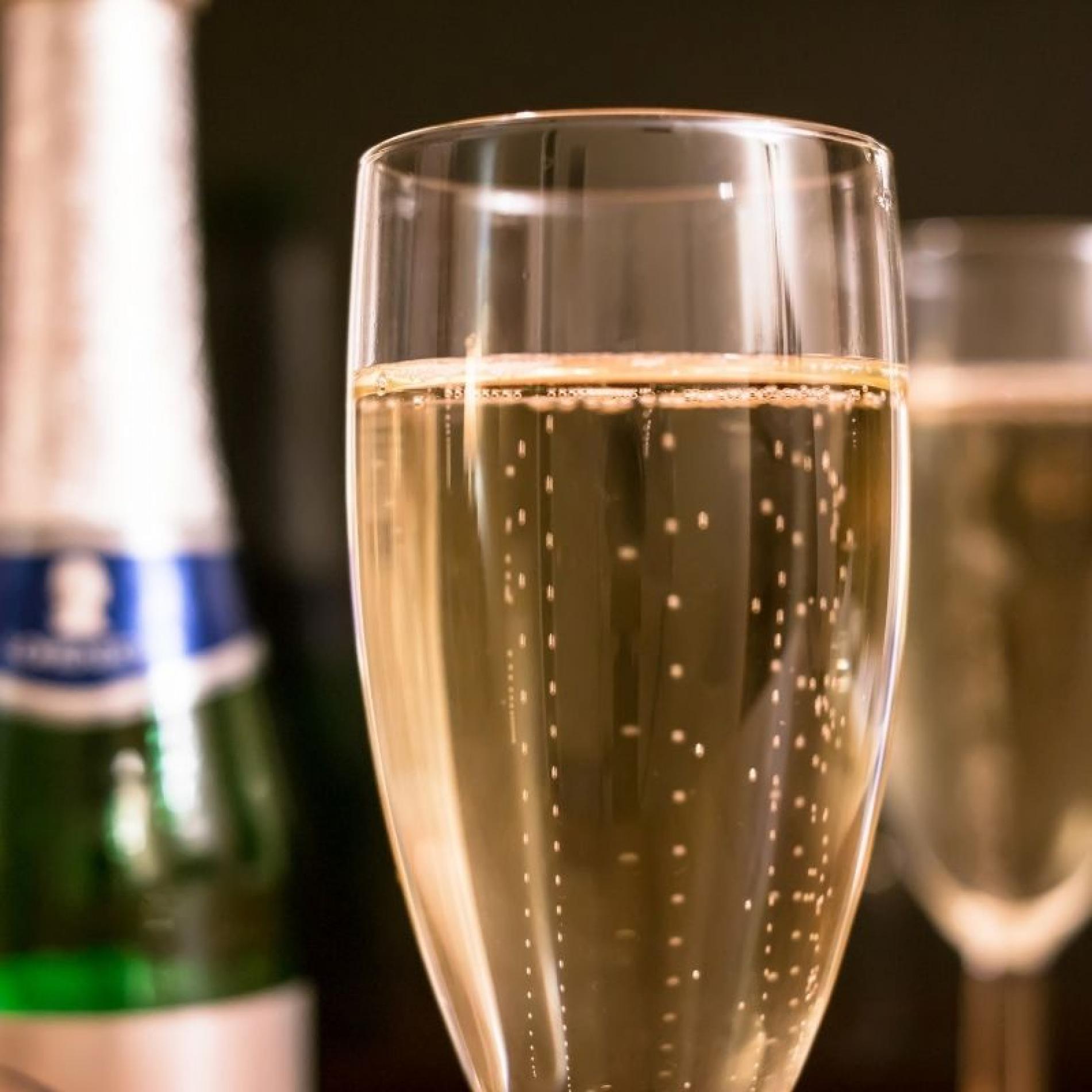 Caviar & Champagnes