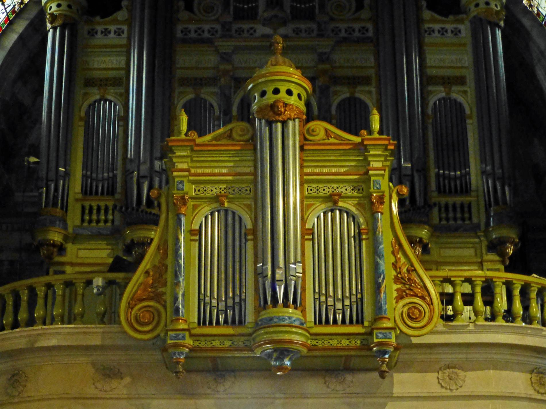 Église Catholique Collégiale Saint-Martin
