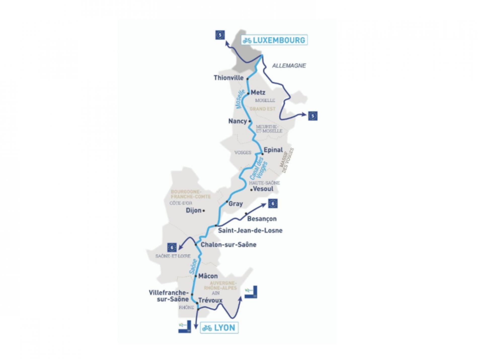La voie Bleu Moselle - Saône en vélo Chemin de hallage bord du canal de l'est à 300 m