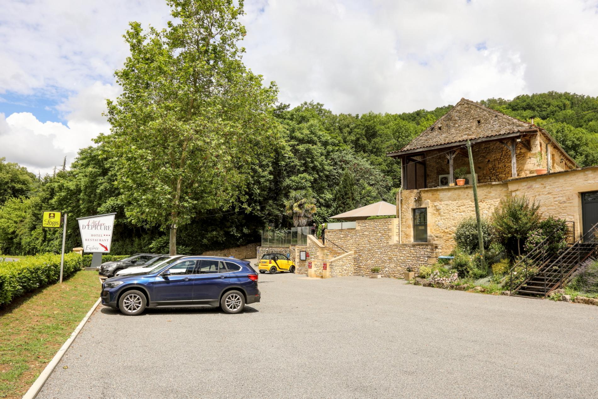 Parking de l'Hôtel - Restaurant
