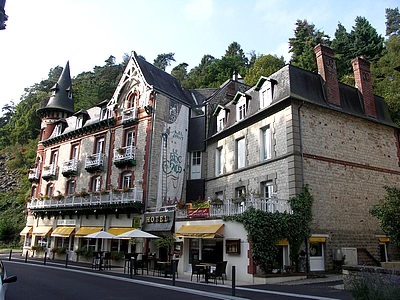 HOTEL LE ROC AU CHIEN