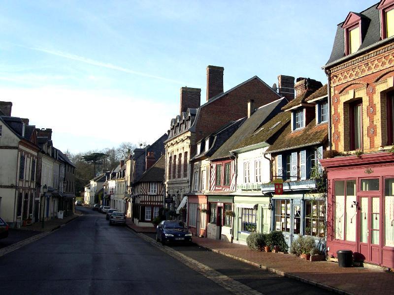 <BR>Rue de La Libération