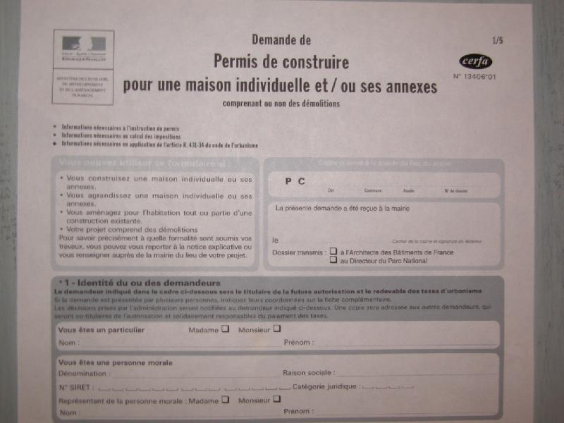 <P>Suivie du depôt&nbsp;de permis de construire en mairie.</P> <P>&nbsp;</P>