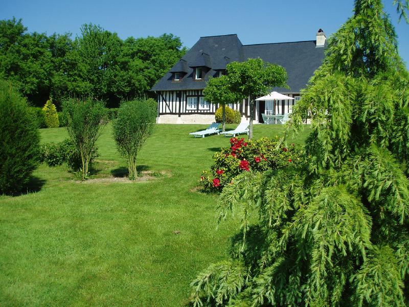 Maison normande - PONT L'EVEQUE 15 km de DEAUVILLE 5 KM de BEAUMONT EN AUGE